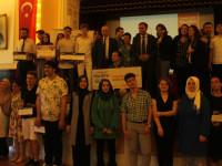 'Şehrini Tanıt, Hayaline Uç'  kazananlar toplu fotoğraf