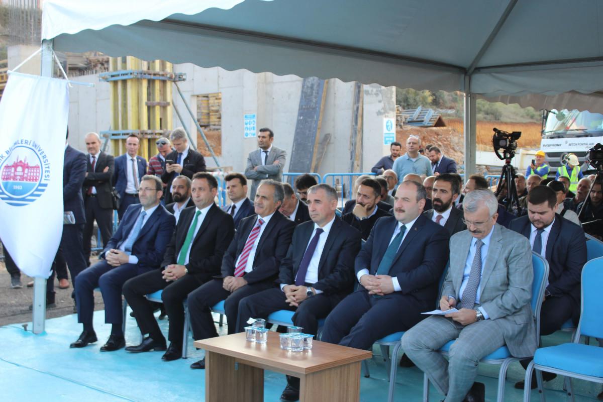 """Sanayi ve Teknoloji Bakanı Mustafa Varank: """"VSY Bi..."""